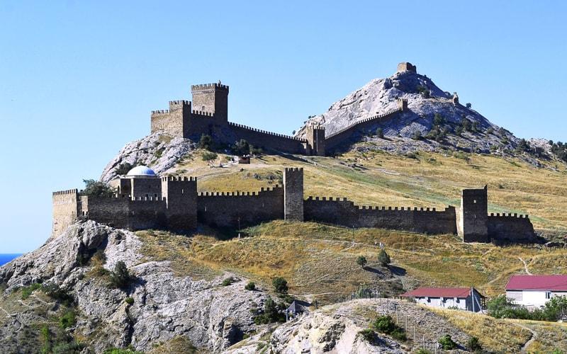 Экскурсия генуэзская крепость из Феодосии