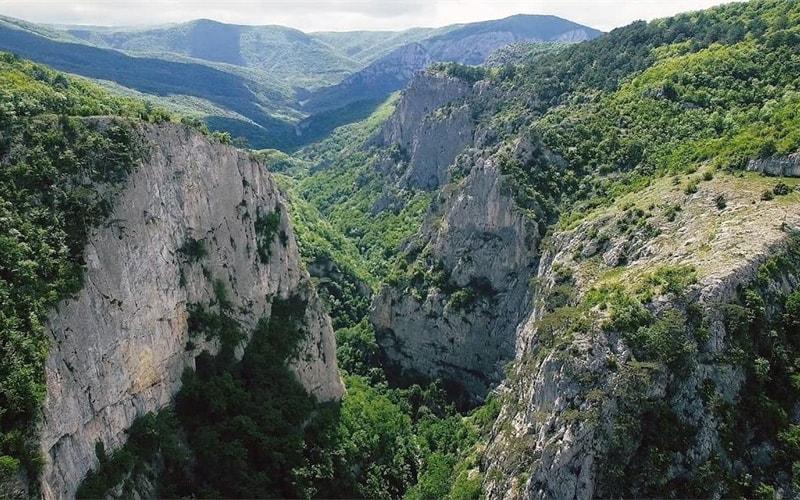 Пешеходная экскурсия по Большому каньону Крыма