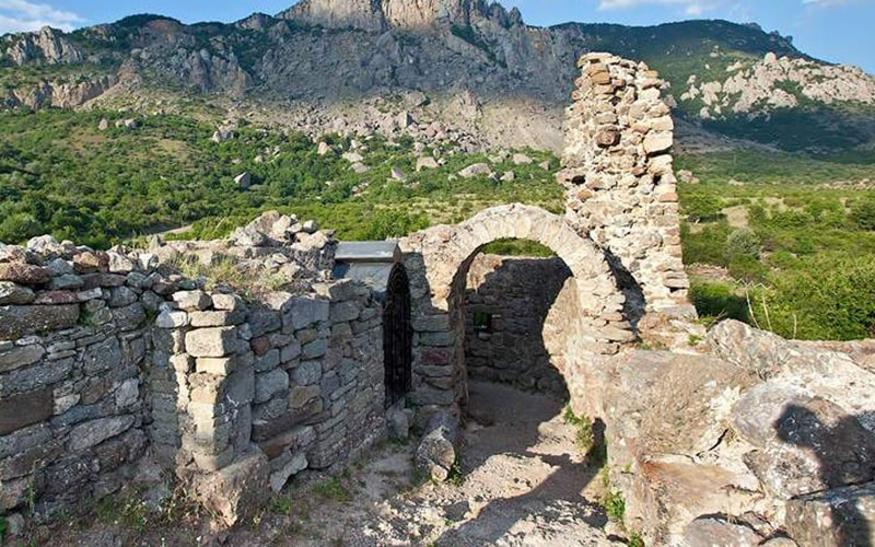 экскурсия на крепость фуна из Феодосии