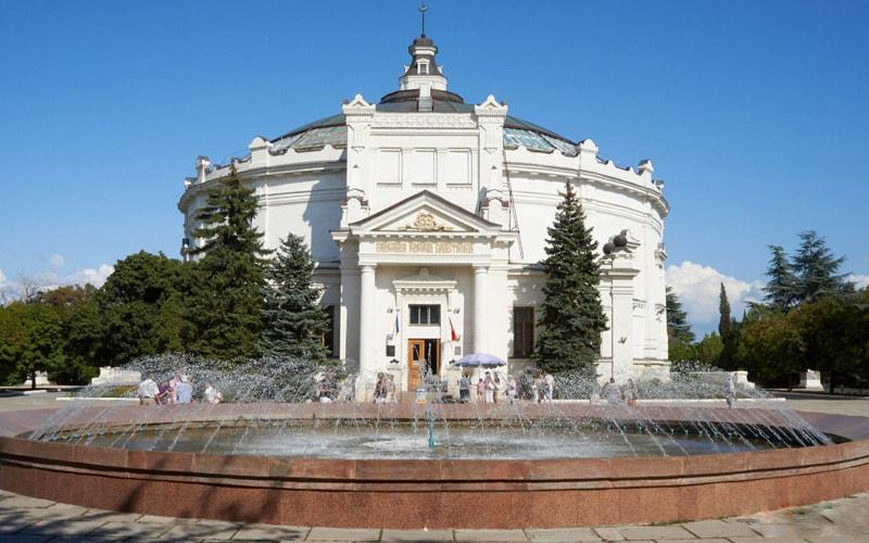 Панорамы 1-й обороны Севастополя во время Крымской войны