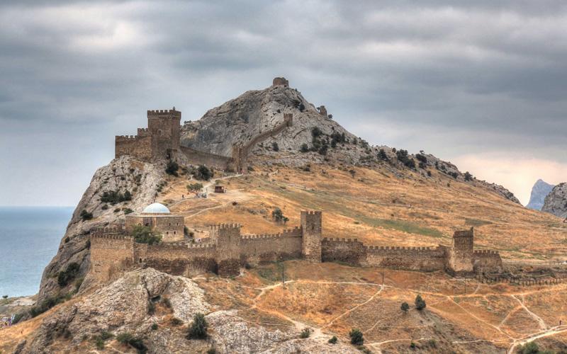 Экскурсия в генуэзская крепость из Феодосии